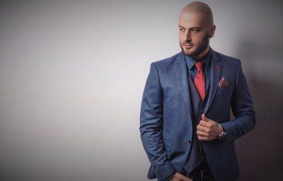 Vajza fiksimi juaj tani është beqar: Këngëtari simpatik shqiptar ndahet nga e dashura