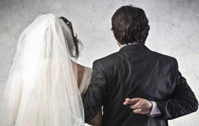 Arsyeja që vajzat fantastike martohen me burra tra*pa