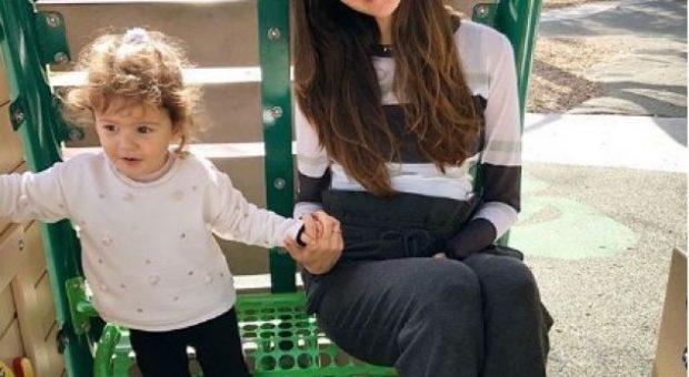 Kjo foto e Eminës me vajzën e saj të ngroh zemrën, vogëlushja është një dashuri