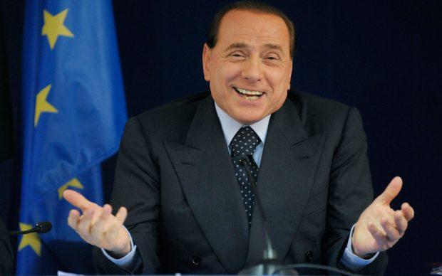 """Habit Berlusconi: """"Me presidentin e Mediaset kam bërë garën e urinës, se kush e çon më larg…"""""""