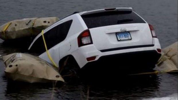 I besuan verbërisht GPS por… përfundojnë 'ME KOKË' në liqen