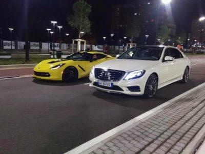 """Video/ Të rinjtë """"PUSHTOJNË"""" Bulevardin me makinat luksoze, """"tërbojnë"""" Tiranën në mes të natës"""