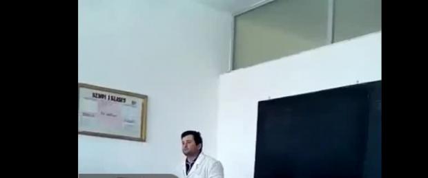 """Ndodh në Durrës, nxënësit e shkollës 9-vjeçare """"luajnë mendsh"""" mësuesin me veprimet e tyre"""