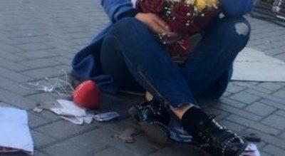 Gëzim në protestën e opozitës, ja surpriza që mori gazetarja (FOTO)