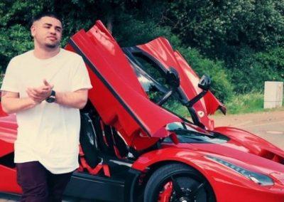 Makinat luksoze ju lënë pa fjalë, Noizy tani ju tregon dhe shtëpinë (FOTO)
