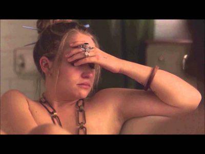 Plasin c*cat sheshit, tjetër vajzë tërbon meshkujt me VIDEO live