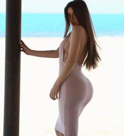 E mbuluar me shami dhe me bikini 'braziliane'/ Do habiteni nga fansat e saj, aty nuk ka asnjë…(FOTO)