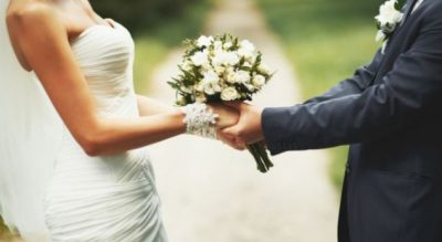 Vajza na vjen keq, këngëtari simpatik shqiptar sapo u martua (FOTO)
