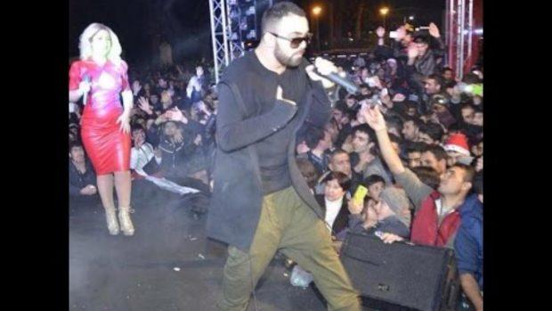'Ku e di ti që Dafi nuk del me një gocë tjetër?', këngëtarja i jep përgjigjen epike gazetarit