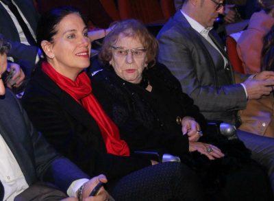 E prisnim në skenë, aktorja Tinka Kurti ndjek si spektatore shfaqen 'Carmen' pasi del nga spitali (FOTO)
