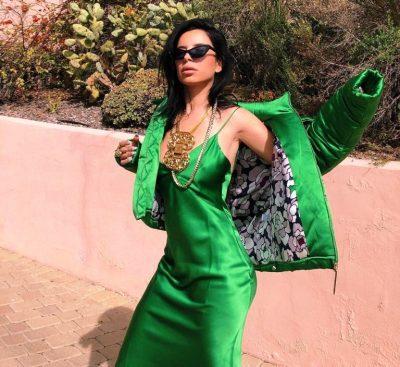 """Blogerja shqiptare """"topless"""" në rrugët e Nju-Jorkut, me fustanin 1750 dollarë (FOTO)"""