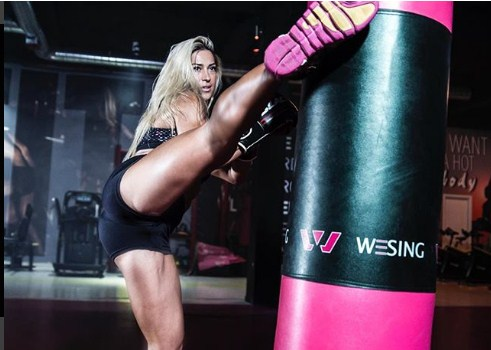 Getta Beqa tregon më shumë se muskujt (FOTO)
