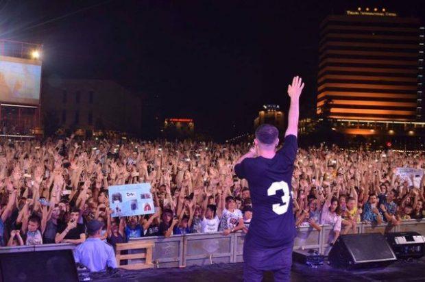 'Leku letër': Ja cilët janë këngëtarët shqiptarë që fitojnë nga 150 mijë euro në sezon (FOTO)