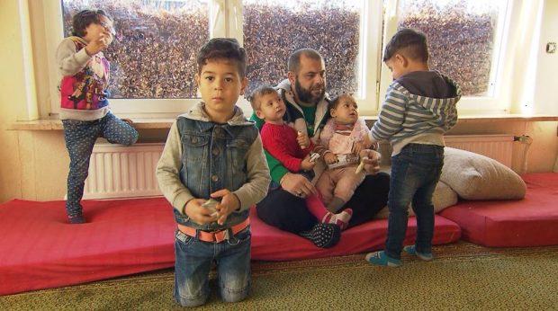 Kush është Ahmedi? 32-vjeçari që deklaron hapur se ka 3 gra dhe 6 fëmijë