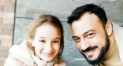 Vajza dëshiron mbiemrin e nënës, ja reagimi i aktorit humorist shqiptar