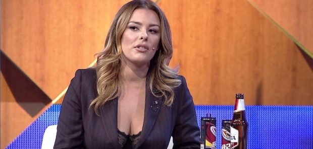 Anxhela Peristeri tregon sa paguhen këngëtarët në klubet e natës: Fillon nga 500 Euro dhe…