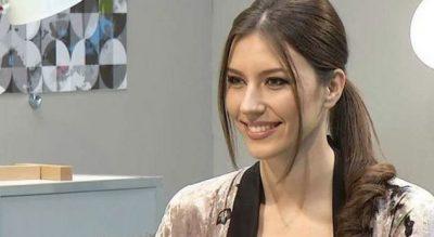 Flet Arjola Shehu: Unë dhe Floriana Garo ngjajmë… (VIDEO)