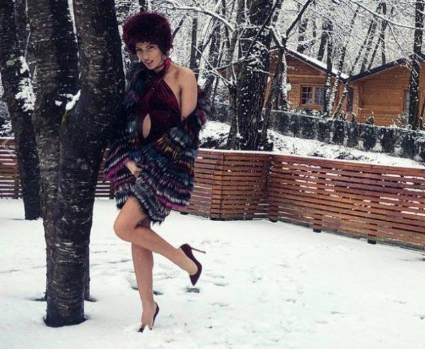Balerina e njohur ngre temperaturat, SFIDON të ftohtin me… (FOTO)