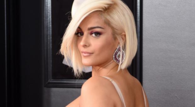 """""""Meant to Be""""/ Bebe Rexha thyen rekordin në toplistën e muzikës country (FOTO)"""
