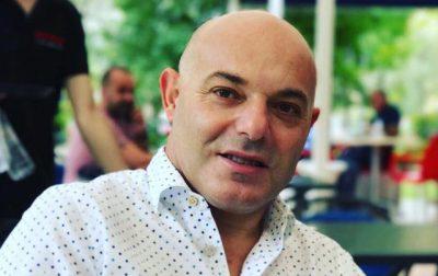 """Blendi Fevziu """"rreth e qark"""" GLOBIT! Shihni 100 vendet ku ka shkelur gazetari (FOTO)"""
