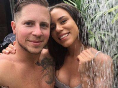 Njihuni me çiftin që paguhet për të bërë seks në hotele të ndryshme (FOTO)