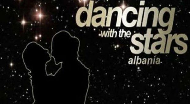 Zbulohet emri i prezantueses së 'Dancing With The Stars'! Nuk do ta besoni kush është (FOTO)