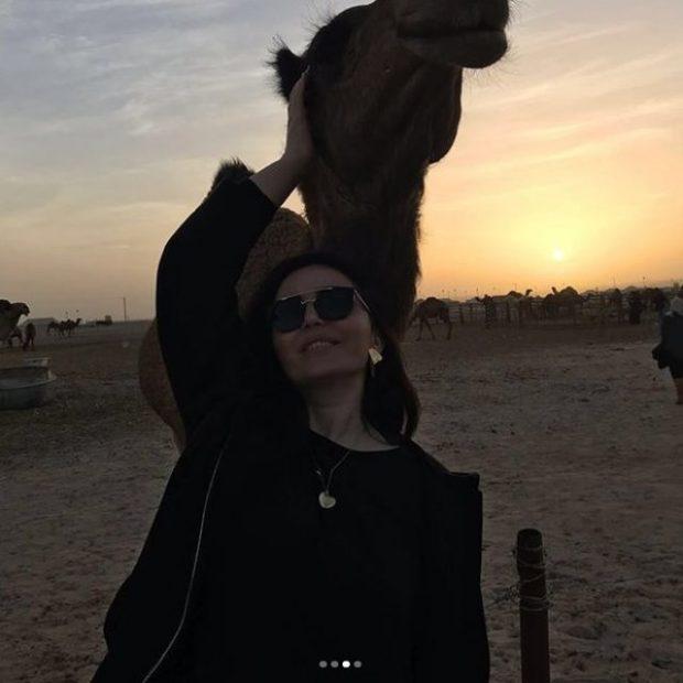 Postoi foto nga pushimet në shkretëtirë, ish depuetetja shqiptare pendohet dhe merr vendimin drastik