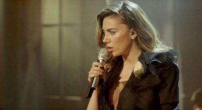 Elvana publikon albumin e ri! Ja kush janë këngët e reja… (VIDEO)