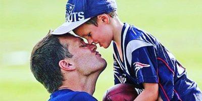 Pas Beckham-it dhe aktores, njerëzit sulmojnë sportistin: Si e puth djalin në buzë? (VIDEO)