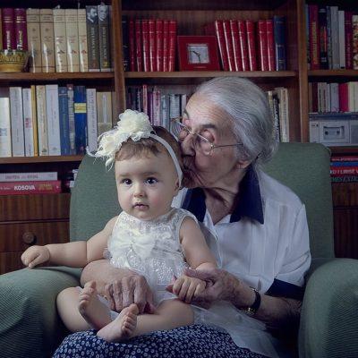 Rezarta publikon foton e Herës me Nexhime Hoxhën dhe bën veprimin që nuk pritej (FOTO)
