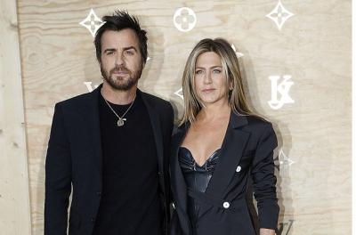 Ish-bashkëshorti sapo e zëvendësoi Jennifer Aniston me dy… (FOTO)