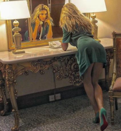 Ledina Çelo e bën sërish! Shikoni sa seksi duket me të kuqe (FOTO)