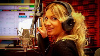 Shokuese: Gazetarja shqiptare i vë bombën shkollës