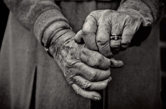 STUDIMI: Çfarë e shkakton plakjen para kohe tek shqiptarët?