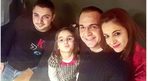 (FOTO) Bashkëshortja e Ardit Gjebreas feston ditëlindjen, urimi i veçantë i vjen nga djali dhe nusja e tij!