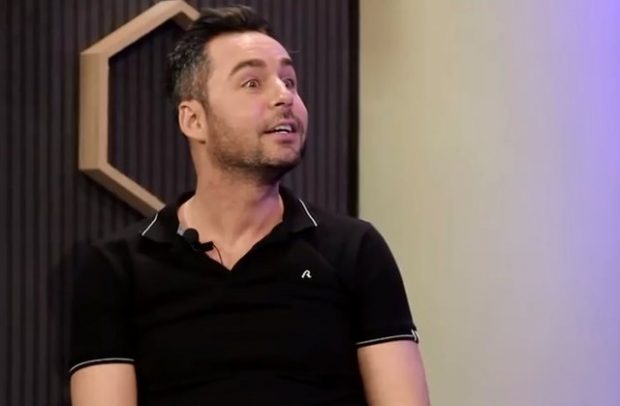 Hakeri i vjedh llogaritë Renato Mekollit dhe ngacmon të vajzat e showbiz: I dërgon mesazhe banale…
