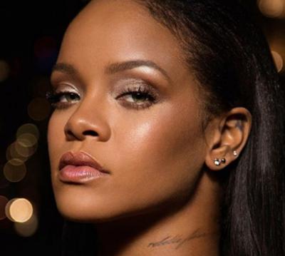 SI ASNJËHERË TJETËR/ Rihanna bëhet shoqëruesja e NUSES. Pamjet nga përgatitja për dasmën