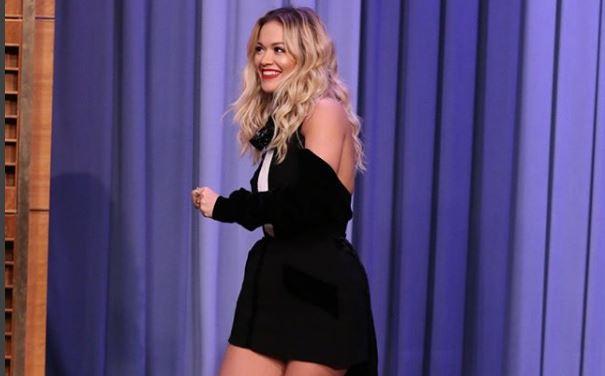 """Rita Ora rimerr veten, por a do mundet të performoj në premierën e """"Fifty Shades Freed"""" (FOTO)"""