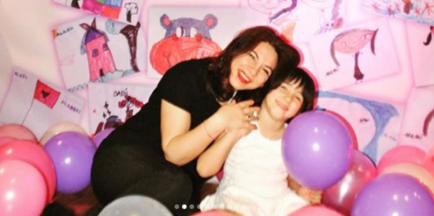 Rudina Xhunga për ditëlindjen e së bijës Alanës: Kam një këshillë për të gjitha mamat