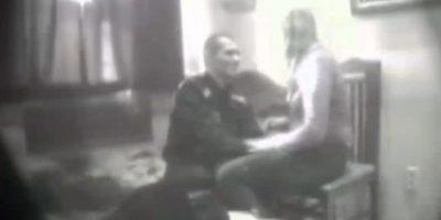 Skandal seksual në Polici, shefi dhe vartësja filmohen… (VIDEO)