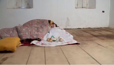 VIDEO/ Historia e dhimbshme, prej 20 vitesh Drita e paralizuar jeton në kullë, i shërben vetëm kunata