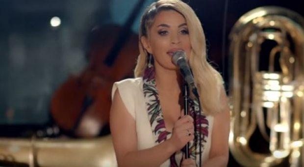 Surprizon Besa Kokëdhima, rikthehet me 15 këngë të reja