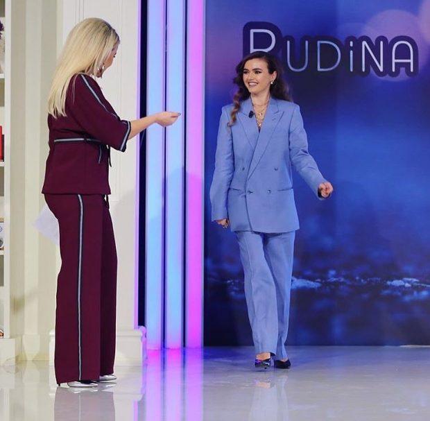 """Stilistja e njohur u jep shuplakë vipave shqiptarë: """"Shumica e këtyre shkojnë në palester sikur ikin në event"""""""