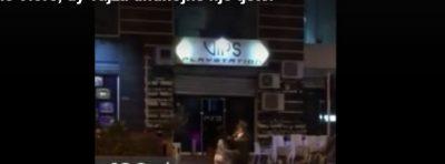 Vajzat kapen për flokësh në mes të Vlorës, kalimtarët: A të q**sha robt m'u në p*** (VIDEO)