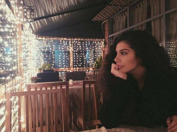 Nuk e paskemi ditur që ky kryebashkiak shqiptar të ketë një vajzë kaq të bukur (FOTO)