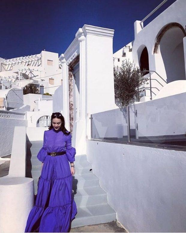 Të tre në Santorini, Xhensila dhe Besi nuk janë vetëm me pushime. Shikoni kush i shoqëron (FOTO)