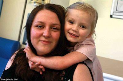 4-vjeçarja kryen aktin heroik për nënën e saj, ajo mori…