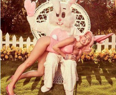 Harrojini vezët e kuqe! Ja si po i pret këngëtarja Pashkët (FOTO)