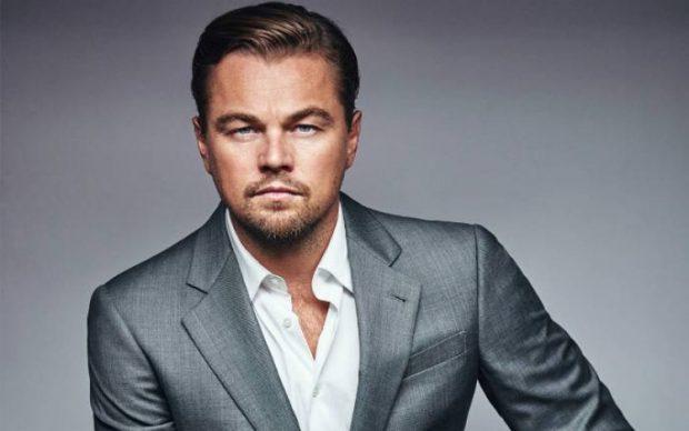 Vajza çfarë mendimi keni? Leonardo Di Caprio kapet mat përkrah të dashurës 20-vjeçare (FOTO)