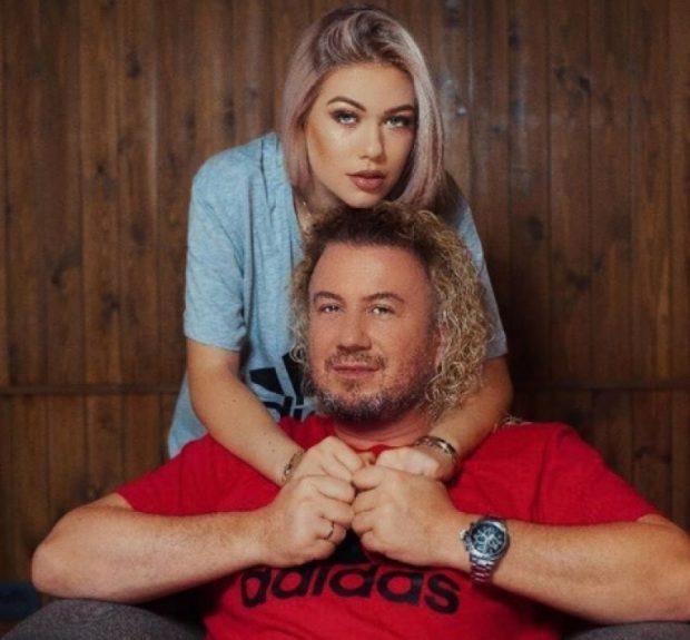 Ju mund ta quani 'baba', por ja si e thërret Sabianin vajza e tij… (VIDEO)
